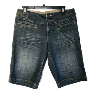 Zanadi Bermuda Jean Shorts Distressed Size 13